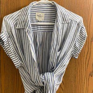 Vertical stripe short sleeve shirt